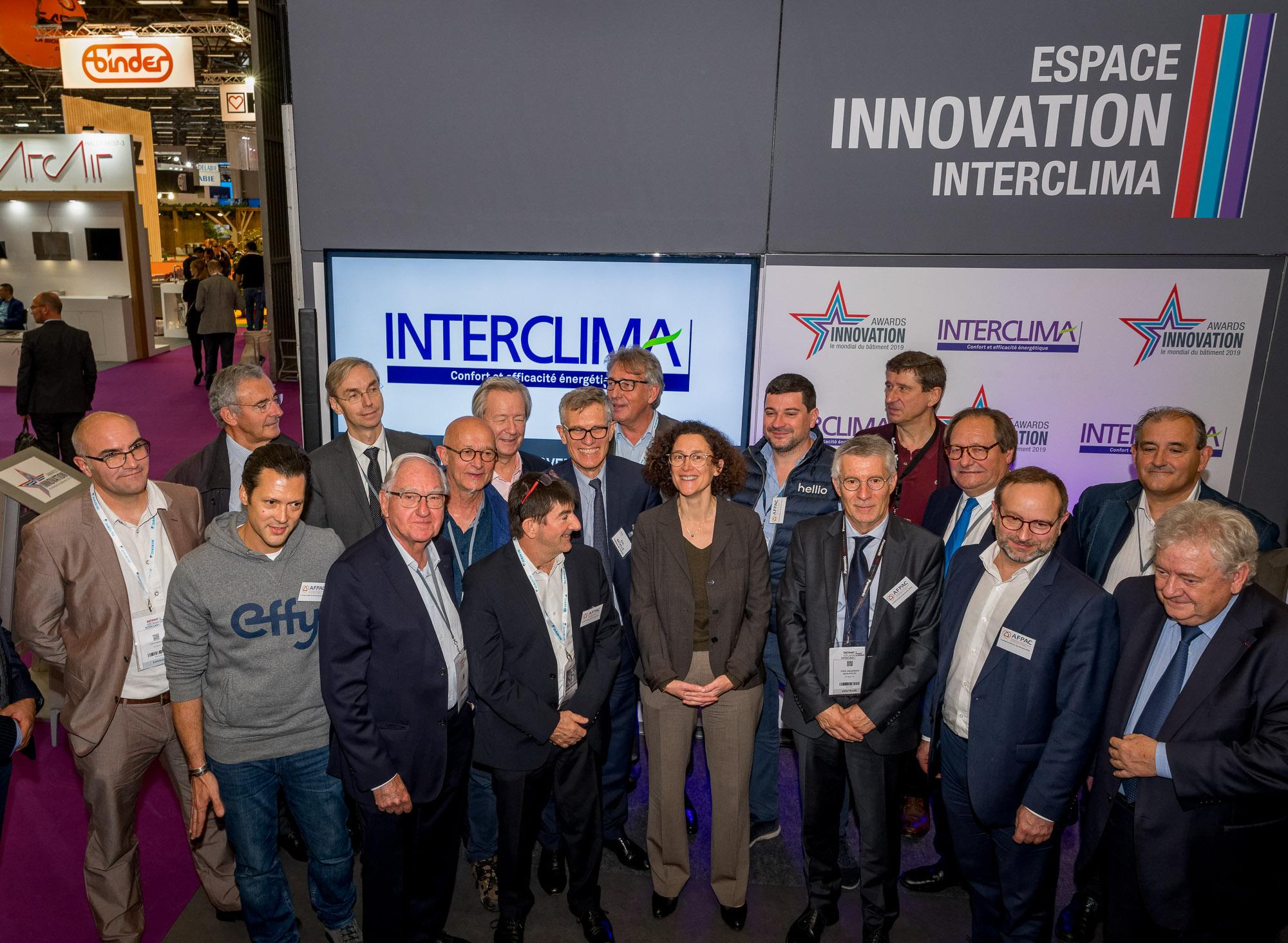 En présence d'Emmanuelle WARGON, l'AFPAC et ses partenaires ont signé une Charte relative à la préservation de la qualité des installations de PAC, le mercredi 6 novembre 2019 sur le salon Interclima
